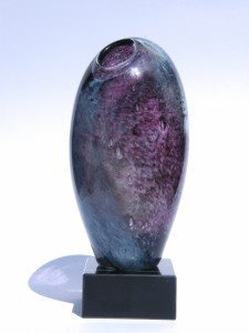 vase violet trophee