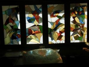 mur/ portes avec vitraux